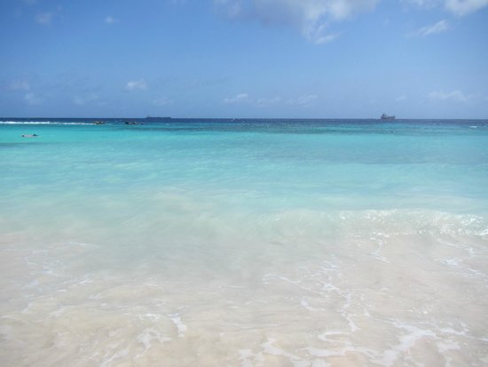 Curacao Marriott Beach Resort & Emerald Casino: Beautiful private beach.