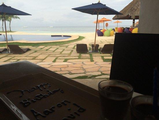 South Palms Resort: Breakfast ambiance..