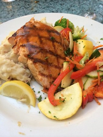 Harry's Seafood Bar and Grille : Bourbon St Salmon