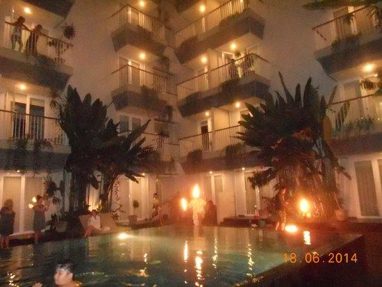 EDEN Hotel Kuta Bali - Managed by Tauzia: fire dancing