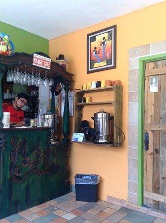 Mango Cafe: self serve coffee bar