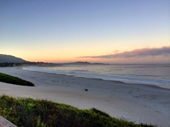 Carmel Country Inn: Dawn at beach