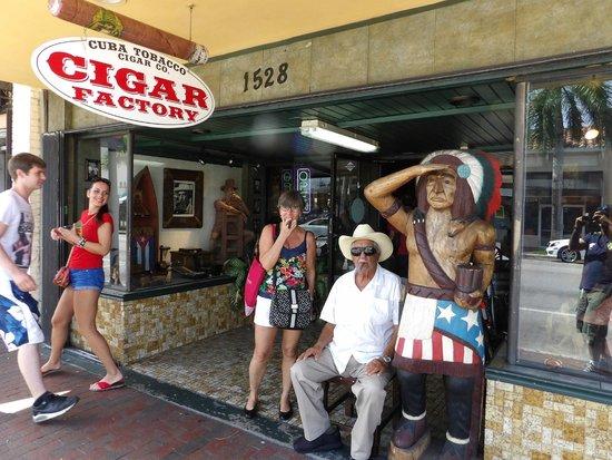 Cuba Tobacco Cigar Co: Local interessante