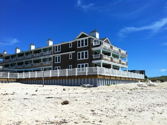 Bluegreen Vacations The Soundings, Ascend Resort Collection : Front West building, viewed from the beach