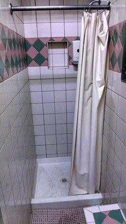 Pomo RV Park & Campground: More showers
