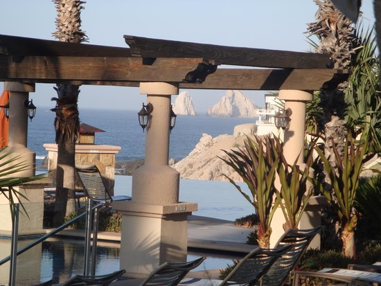 Welk Resorts Sirena Del Mar: Great view of The Arch and one of the infinity pools