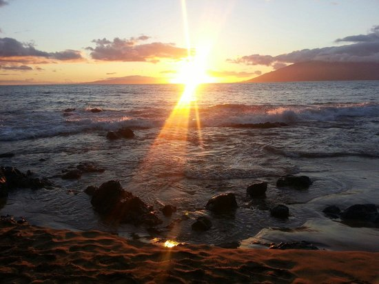 Kamaole Nalu Resort: Sunsetting from Kamaole beach 2