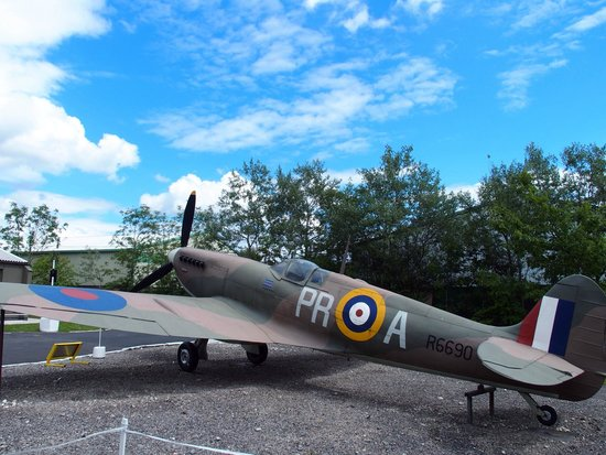 Yorkshire Air Museum: Spitfire