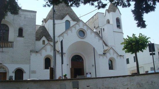 I Trulli di Alberobello - World Heritage Site: Igreja de Alberobelo