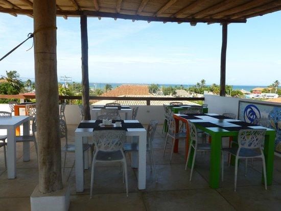 Canoa Kitesurf Posada: Terraza dispuesta para desayuno
