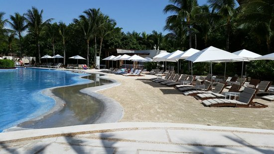 The Grand Mayan at Vidanta Riviera Maya: pool with sandy area