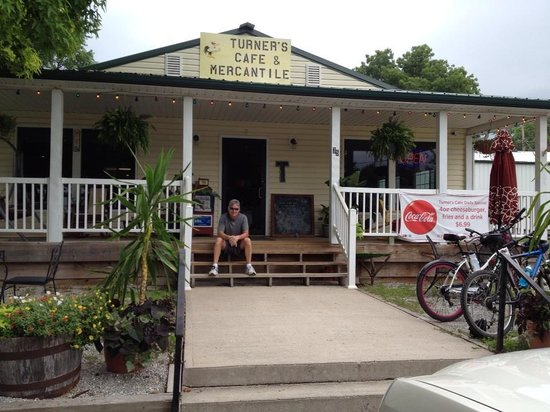 Dotty's Cafe: Turner's Mercantile and Café (Which use to be Dottie's) - Hartsburg, MO