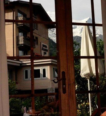 Restaurant Albert 1er: Hameau Albert 1er vue du chalet Soli