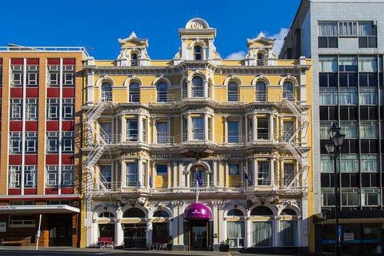 Wains Hotel Dunedin: Exterior Day