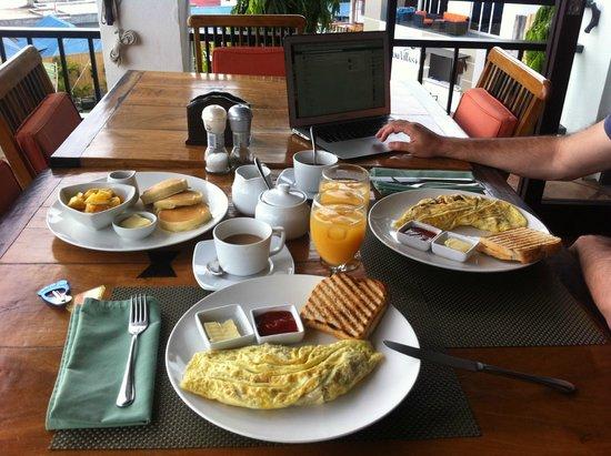 The Verandah Restaurant : Breakfast