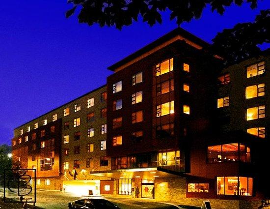 Hotel Vermont: Dusk