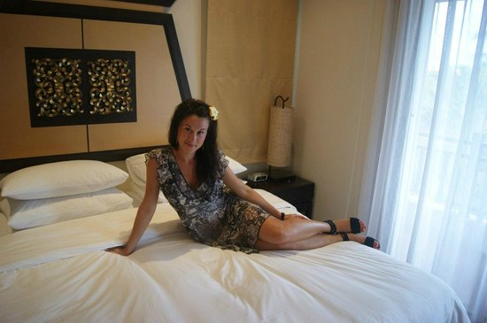 Outrigger Laguna Phuket Beach Resort: спальня