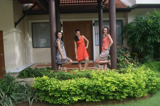 Outrigger Laguna Phuket Beach Resort: Наш вход в дом