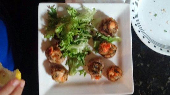 La Pizzeria: Lobster stuffed mushrooms!