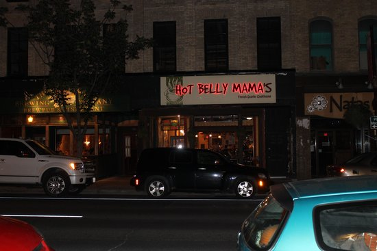 Hot Belly Mama's: From the outside at night