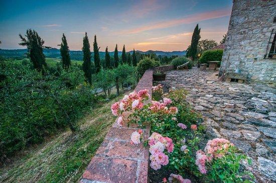 Borgo Argenina: Beautifully Decorated Grounds