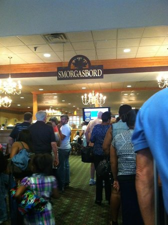 Shady Maple Smorgasbord: One of four long lines to pay