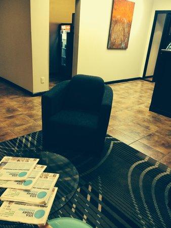 BEST WESTERN PLUS Gen X Inn: Nice modern Lobby