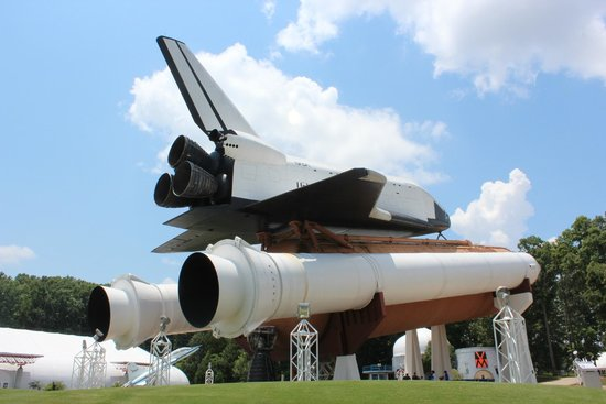 U.S. Space and Rocket Center : Space shuttle replica