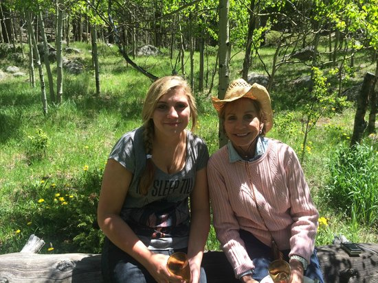 Tumbling River Ranch: Grandmother and Granddaughter enjoying brunch in the mountains