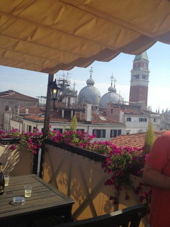 Hotel Colombina: Private terrace view