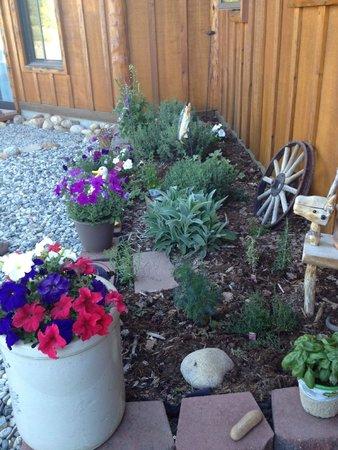Mountain River Inn Bed & Breakfast : Breakfast Herb Garden