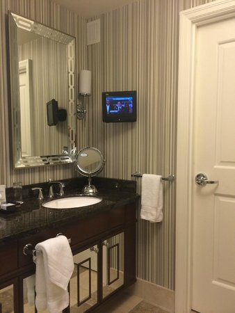 Caesars Palace: TV in bathroom