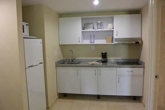 The Mill Resort & Suites Aruba : Kitchen area