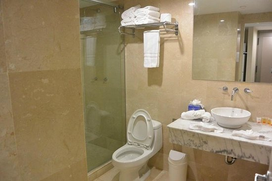 The Mill Resort & Suites Aruba : clean bathroom