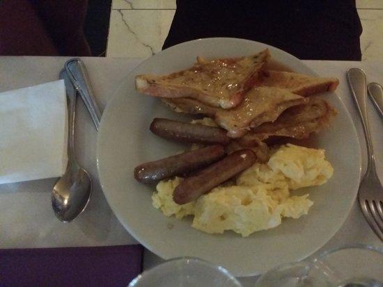 Mayaguez Resort & Casino: Buen desayuno y Buen provecho.