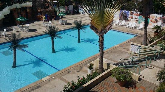 Mayaguez Resort & Casino: Piscina dentro del Resort