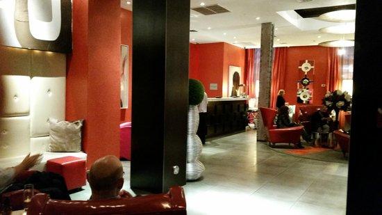 Ameritania Hotel : Vermelho