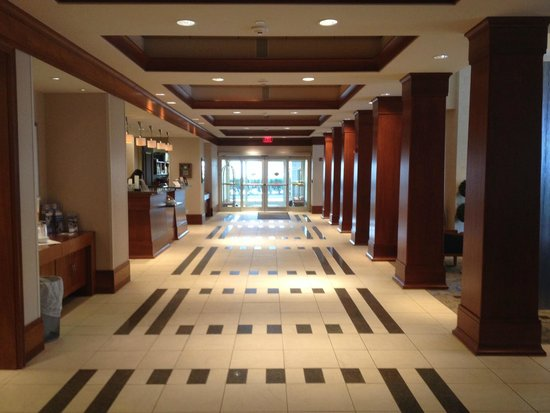 Hilton Garden Inn Portsmouth Downtown : Beautiful lobby