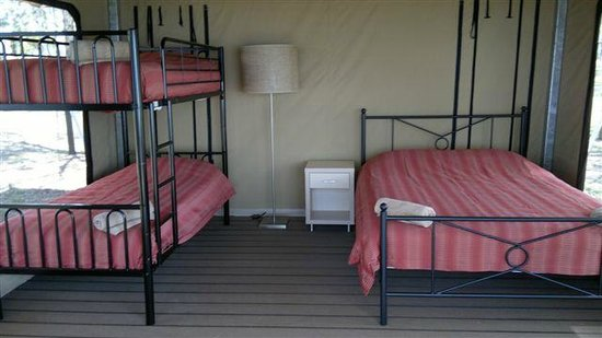 Lake Somerset Holiday Park: Safari Tent Interior