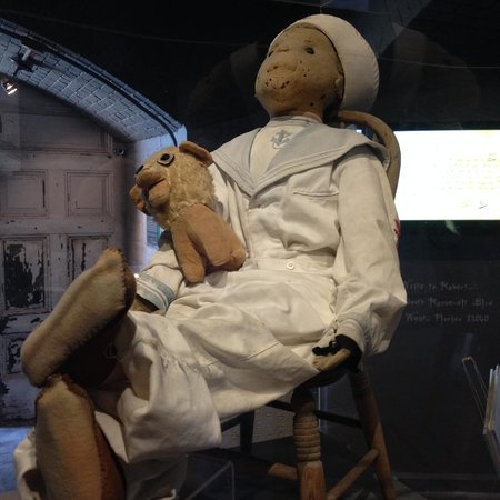Fort East Martello Museum : Robert the doll