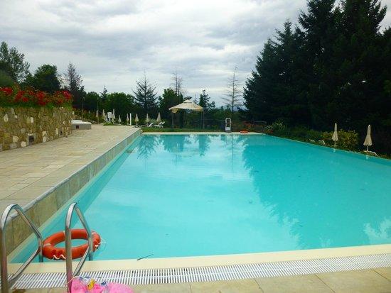 Hotel Villa Casagrande: Outdoor Pool Across the Road