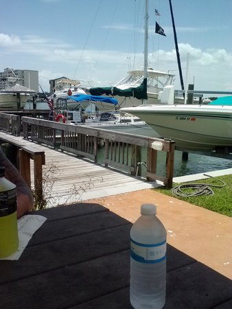 Five Palms Condominium Resort: Lunch by the dock