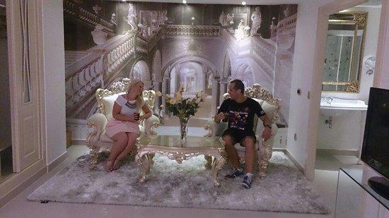 Infanta Leonor : suite versace.....la proxima en probar