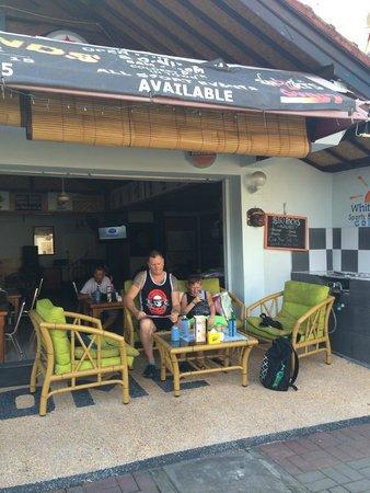 Segara Village Hotel: dining in one of the beach restaurants