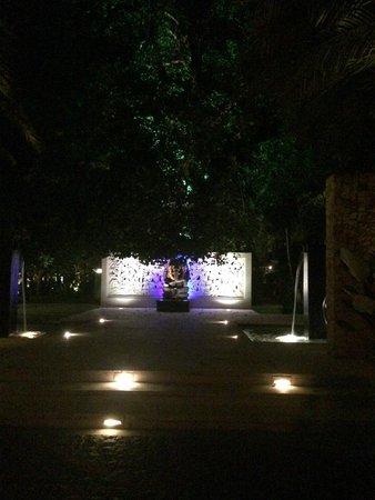 Segara Village Hotel: entrance