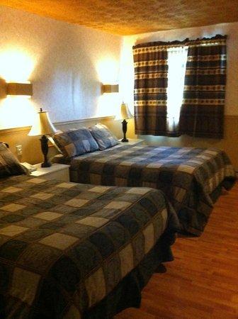 Hotel & Motel La Marquise : large room