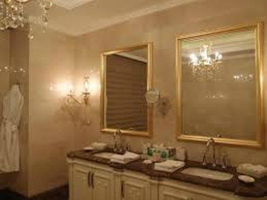 Crowne Plaza Istanbul Asia : bathroom