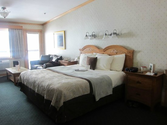 Golden Arrow Lakeside Resort : Normandy Suite