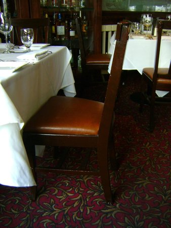 Stanley Hotel : Horrid Chairs at the Cascade Restaurant