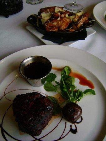Stanley Hotel: Cascade Restaurant